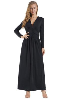 Vestido largo negro de manga larga con cuello en v inspirado