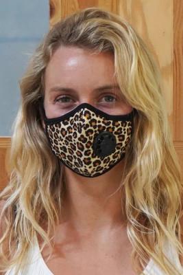 Masque de charbon actif imprimé léopard avec valve d'expiration