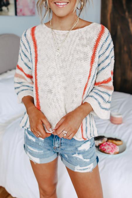 Полосатый пляжный свитер с широкими рукавами
