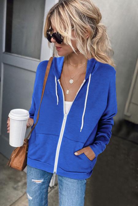 Blaue Hoodie-Jacke mit Reißverschluss