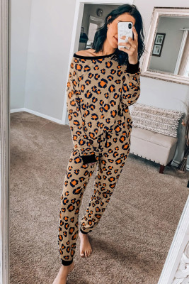 Conjunto de ropa de estar con pantalones de manga larga con estampado de leopardo marrón