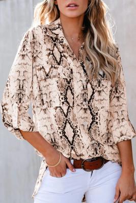 Camisa marrón con estampado de serpiente salvaje con bolsillos