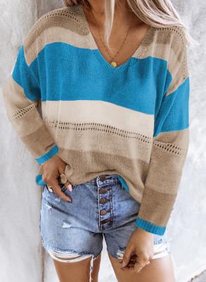 Maglione lavorato a maglia colorblock con scollo a V blu cielo con scavo