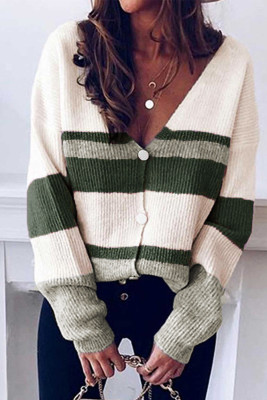 Зеленый вязаный свитер с V-образным вырезом и пуговицами с цветными блоками