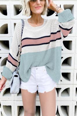 Зеленый вязаный свитер с цветными блоками