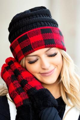 قبعة حمراء بطبعة الجاموس
