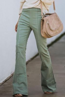 Grüne Jeanshose mit hohem Glockenboden