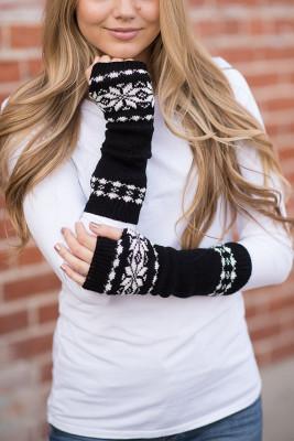Ciepłe rękawiczki z dzianiny w czarne płatki śniegu