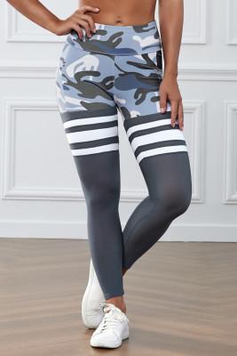 Серые спортивные брюки в полоску с камуфляжным принтом