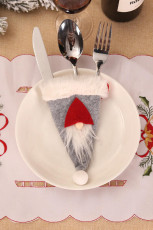 حقيبة أدوات مائدة سانتا غنوم رمادية اللون