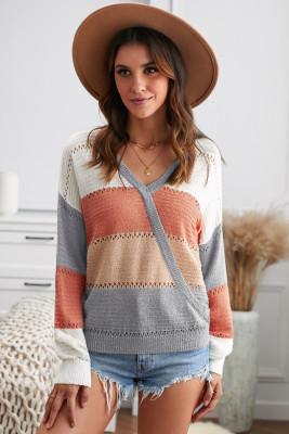 Suéter gris con cuello en V profundo y bloque de color