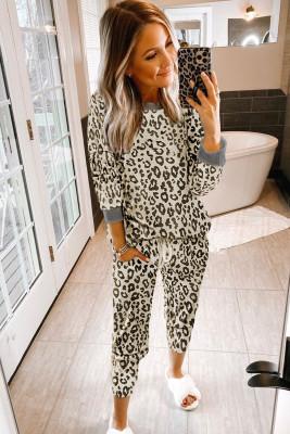 Conjunto de ropa interior con estampado de leopardo beige