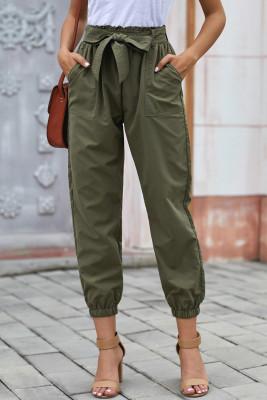 Grüne einfarbige Gehrock-Hose mit Gürtel