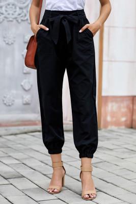 Schwarze einfarbige Hose im Gehrockstil mit Gürtel