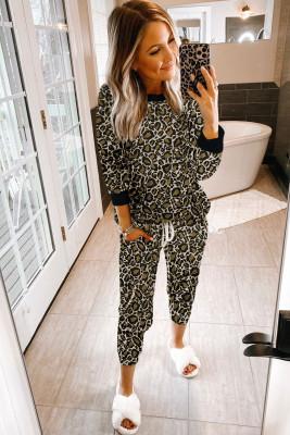 Conjunto de ropa interior con estampado de leopardo negro