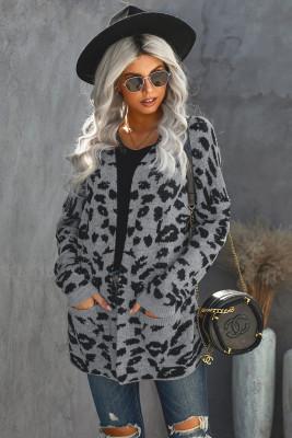 Cárdigan gris con bolsillos de leopardo