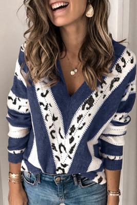 Синий свитер с V-образным вырезом и акцентным животным принтом