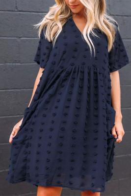 فستان قصير منفوش بياقة على شكل V وأكمام قصيرة وطراز بيبي دول