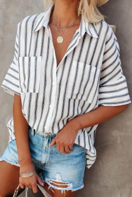 قميص أبيض مخطط بأكمام قصيرة