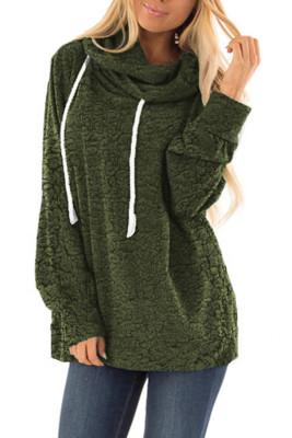 Pull à capuche vert en peluche avec cordon de serrage