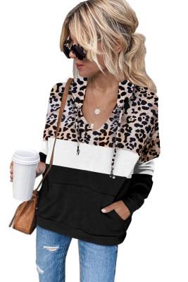 Sudadera con capucha y cordón de bolsillo de canguro con empalme de leopardo negro