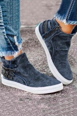 Blaues Slip-On-Design mit Sneakers mit seitlichem Reißverschluss
