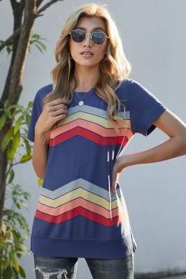 Camiseta de manga corta con estampado de rayas onduladas de colores azules