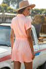 فستان قصير بأكمام قصيرة بياقة قميص منقط باللون الوردي