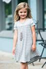 فستان بناتي مخطط بألوان رمادية مرقعة