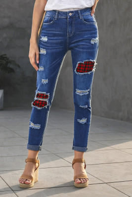 Небесно-голубые рваные джинсы в клетку в стиле пэчворк