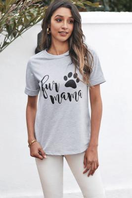 Camiseta gris con cuello redondo y manga enrollada con estampado de letras
