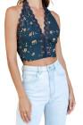 Top corto floral azul marino con cuello en V y cuello halter