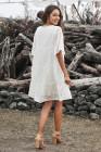 فستان دانتيل بيبي دول أبيض بياقة على شكل V