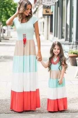 Vestido largo de manga corta con bloques de color a juego con la familia