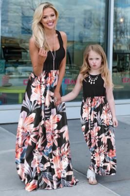 Vestido largo sin mangas con estampado floral sin mangas a juego de mamá e hija negro