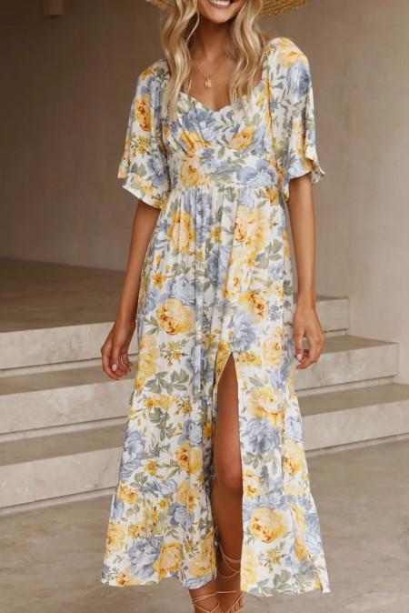 Желто-синее платье с цветочным принтом и разрезом на рукавах