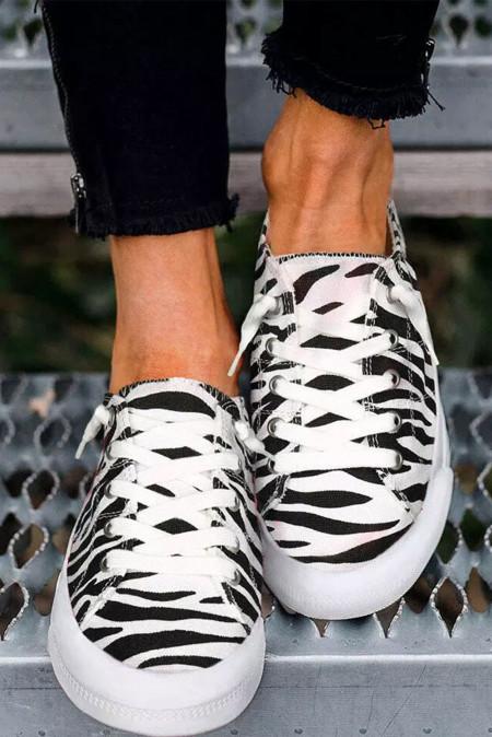 حذاء سنيكرز مسطح برباط زيبرا
