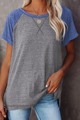 Camiseta gris con bloques de color de patchwork y mangas raglán