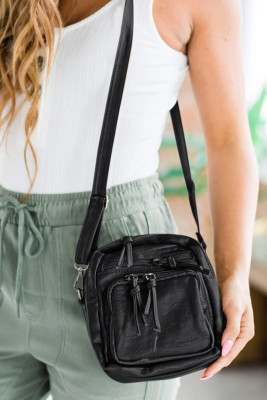 حقيبة كروس سوداء متعددة الطبقات من الجلد النباتي ذات سعة كبيرة