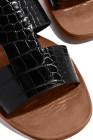 صندل مسطح بظهر مفتوح من جلد التمساح وجلد صناعي