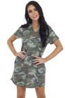 فستان قصير منسوج بياقة V وأكمام قصيرة وطبعة كامو باللون الأخضر للجيش