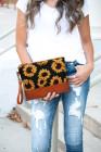 حقيبة كلاتش من قماش البولي يوريثان بطبعة عباد الشمس