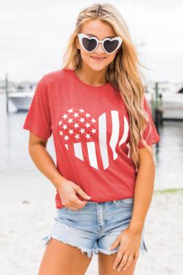Camiseta con estampado de corazón de bandera estadounidense