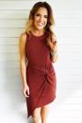 فستان قصير محبوك برقبة دائرية من النبيذ الأحمر بدون أكمام عقدة جانبية غير منتظمة