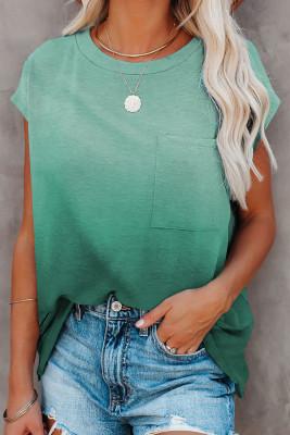 تي شيرت بأكمام قصيرة باللون الأخضر المتدرج مع جيب