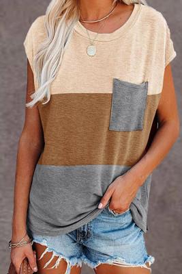 Top con mangas casquillo con bolsillos en color marrón