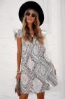فستان قصير بطبعة بوهيمية برقبة مربعة وأكمام رفرفة